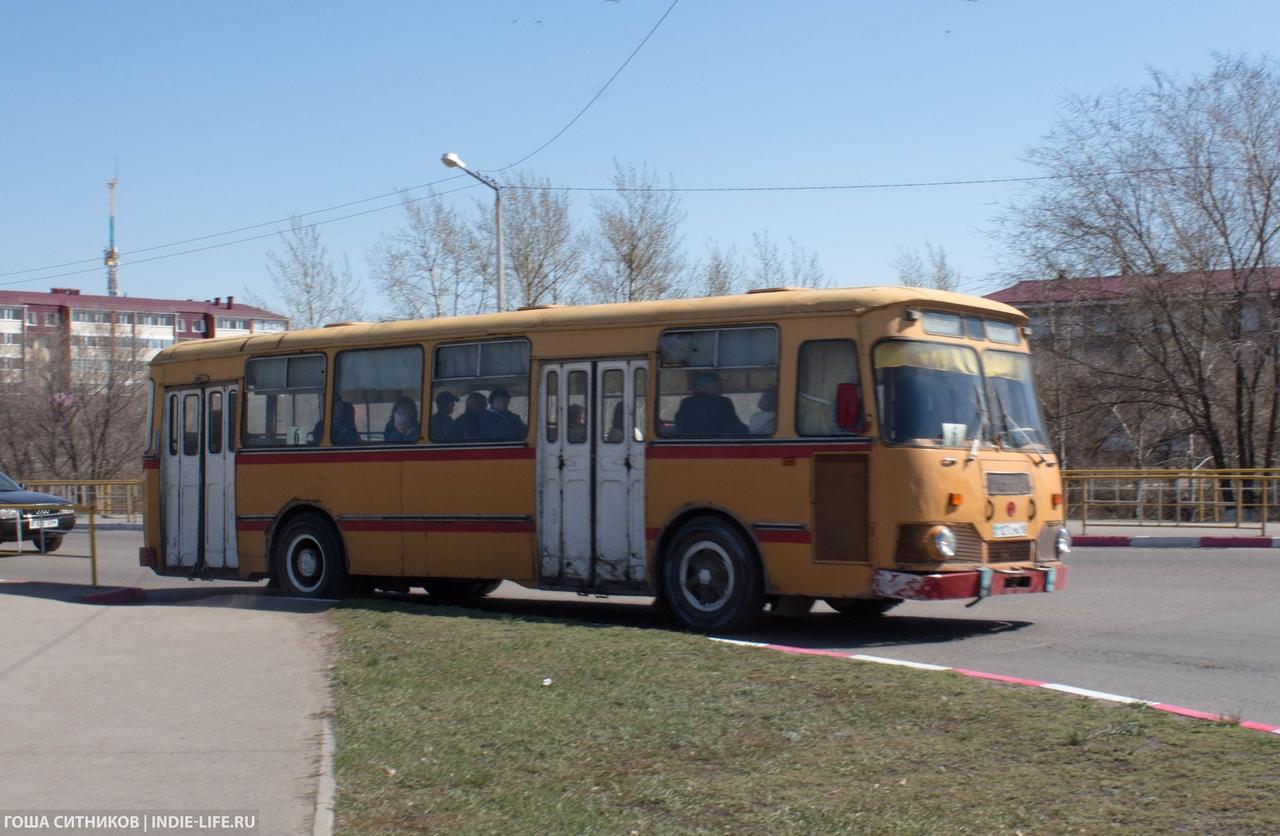 Старый автобус Рудный