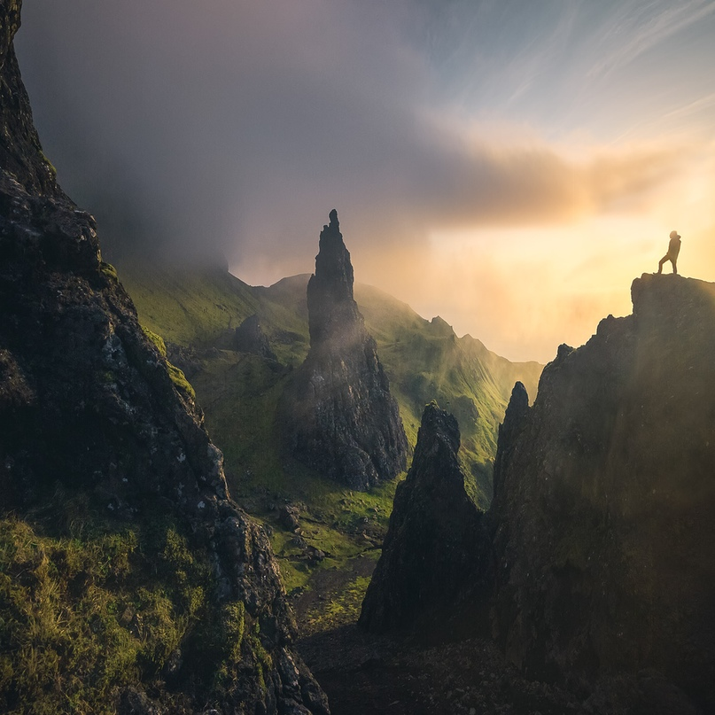 https://www.behance.net/gallery/80279725/A-foggy-morning-at-the-Old-Man-of-Storr