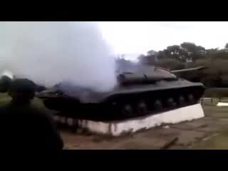 Ополченцы завели ИС-3 с постамента Константиновки