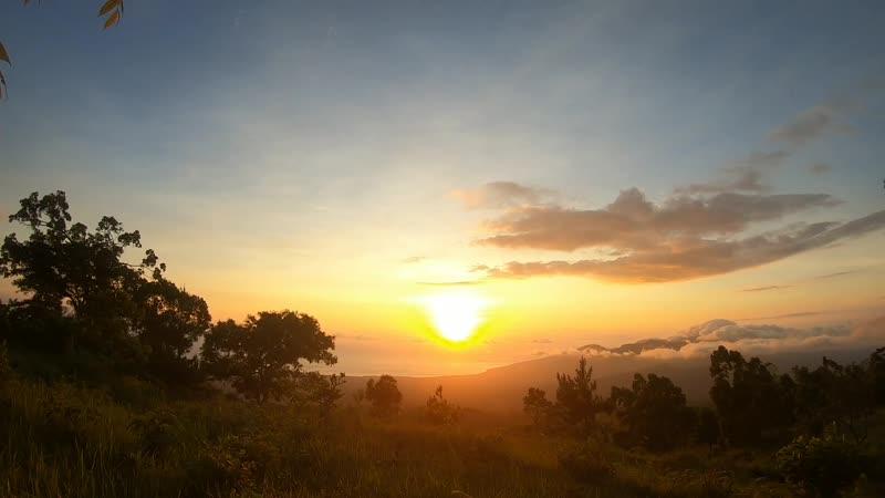 Рассвет на Бали Восточный склон Агунга
