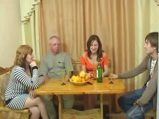 Семейные посиделки 2 - порно оргия секс orgy русское инцест russian
