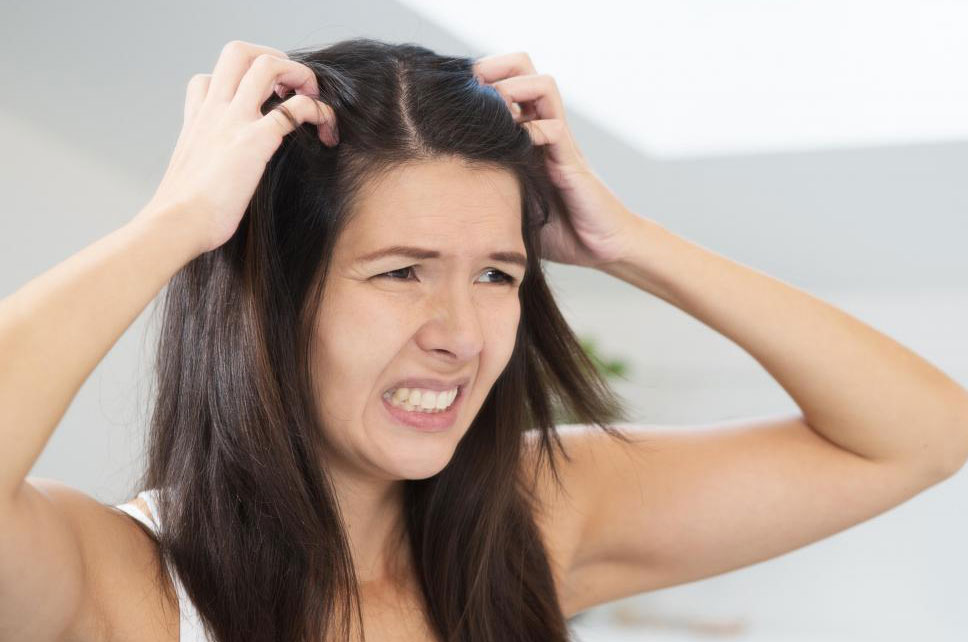 Акупунктура может быть использована для лечения раздражения кожи головы.