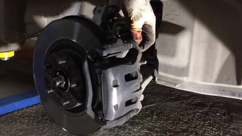 Замена передних колодок на Ниссан Мурано Z51 Nissan Murano