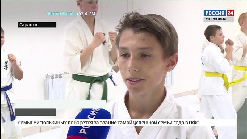 Каратист Артем Резяпкин из Саранска отжался от пола 2222 раза