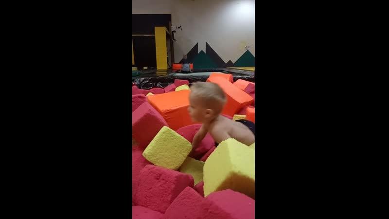 Дима в кубиках