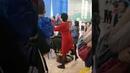 Учительница всем сердцем переживает за своих учеников