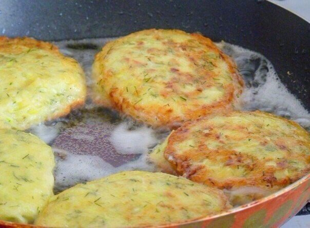 Кабачково-сырные оладьи. Готовим вкусный завтрак!