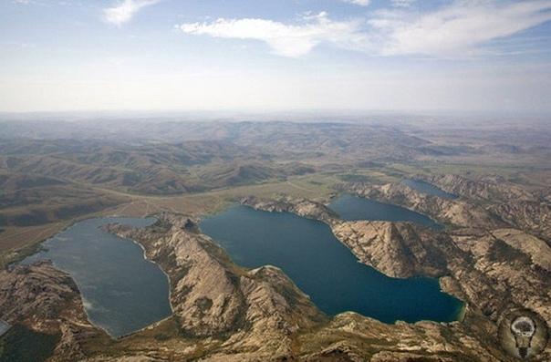 Цивилизации под водой размещают базы НЛО Уфологи давно присматриваются к Сибинским озерам, что находятся в Казахстане. Они небезосновательно считают, что под водой находится база инопланетян В
