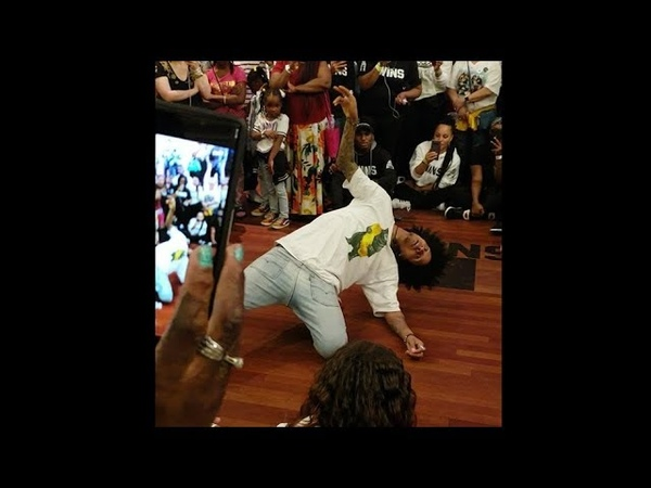 Les Twins NY - Laurent and Larry freestyle to 21 Savage