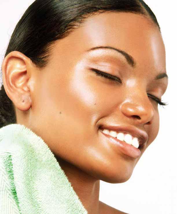 Средства по уходу за кожей следует выбирать в зависимости от типа кожи человека - жирной, нормальной или сухой.