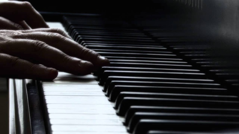 Tzvi Erez plays Bach Prelude 1 in C Major BWV 846 from the Well-Tempered Clavier
