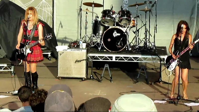 Walk Like An Egyptian (Live) - The Bangles - Lilith Fair - Mtn. View, Shoreline - July 5, 2010