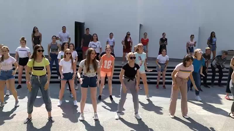 Флешмоб «dance4live»