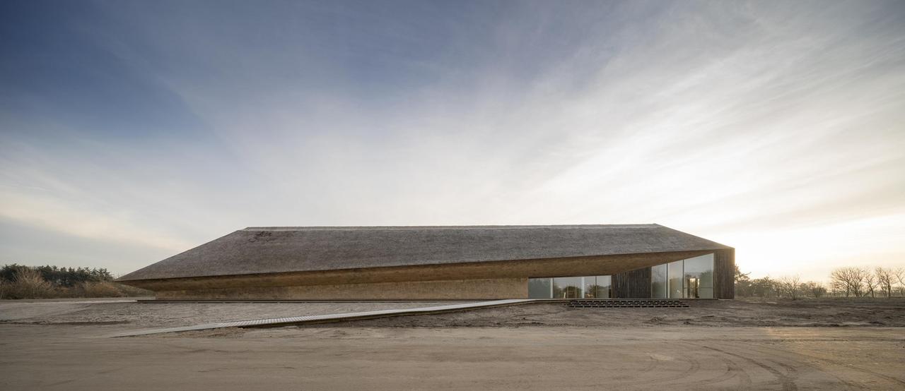 Посетительский центр национального парка «Ваттовое море» \ бюро Дорте Мандруп \ Дания