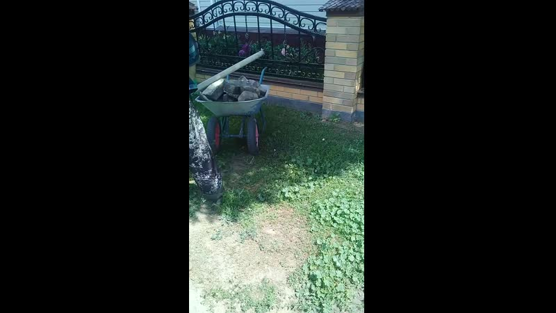 Демонтаж дорожки из бетонной стяжки с кирпичами.⛏🛠🖒😊