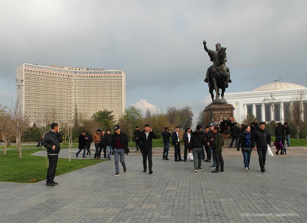 Памятник Амиру Темуру, Ташкент 2019