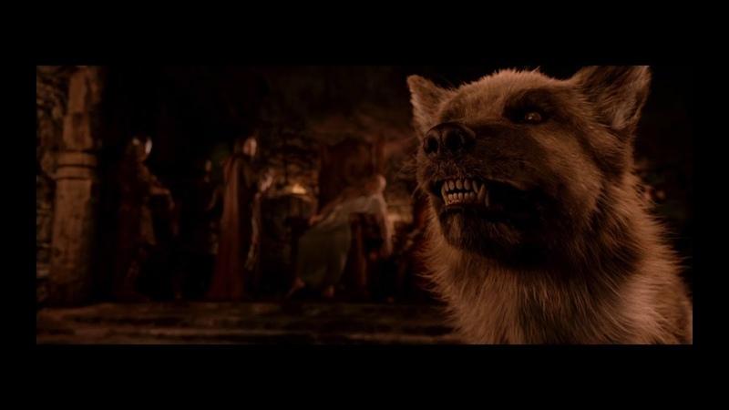Появление Гренделя в королевском зале. Беовульф (2007) — Beowulf