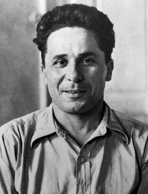 ГРЕЧЕСКИЙ РЕВОЛЮЦИОНЕР 114 лет назад, 27 августа 1905 года, родился Арис Велухиотис (настоящее имя Атанасиос Кларас) - греческий революционер, член ЦК Коммунистической партии Греции,