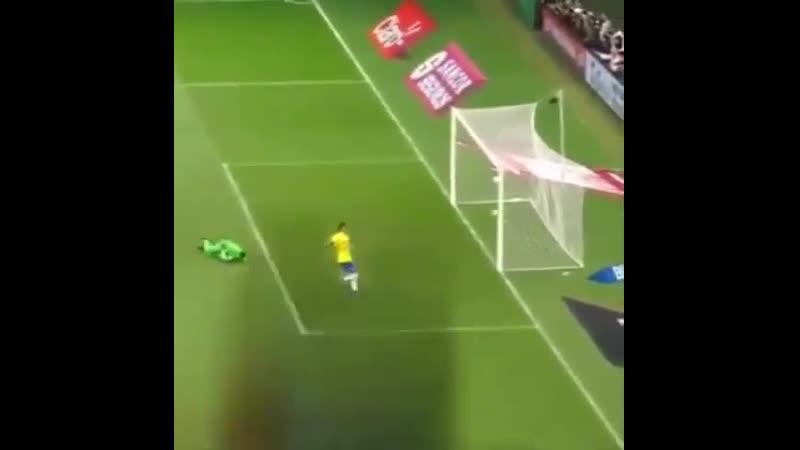 Гол Филиппе Коутиньо за Бразилию 😁🔥