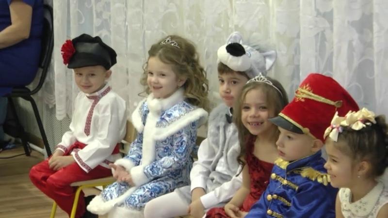Funny kids cute in kindergarten Праздник в детском саду милые дети смешные дети