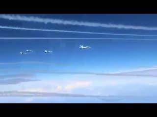 Одновременный пуск восьми ракет с 4х Су-27