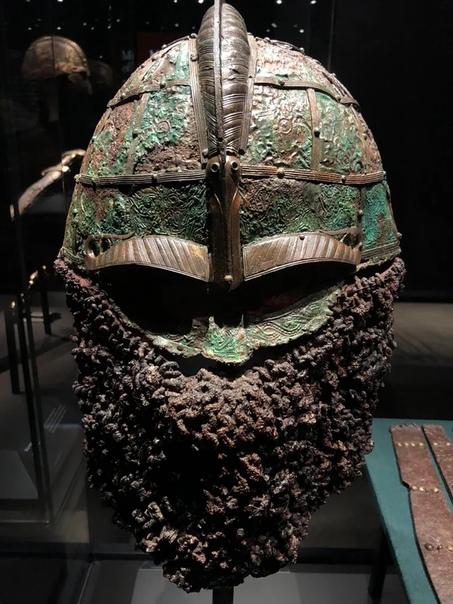 Шлем викинга Вендельского периода, возрастом 1200 лет найденный в Швеции