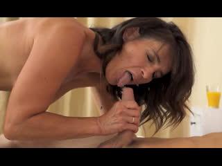 Порно -- ей 50 -- теща очень голодная до молодых извращенцев -- gilf porn granny sex -- emi  <><><>