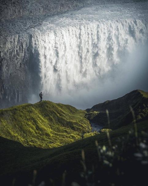 Величественный Деттифосс (Исландия) Фото: andrea asmunds