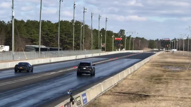 Jeep SRT TrackHawk vs. Chevrolet Corvette ZR1 (First Race)