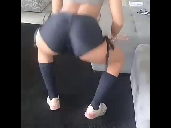 Marcella Schultz dançando