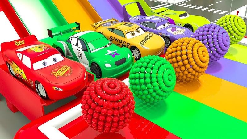 Automóviles incoloros en caja sorpresa pintados en el baño, aprende colores con vehículos