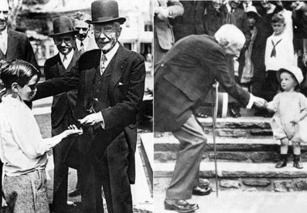 СЕКРЕТЫ ДЖОНА РОКФЕЛЛЕРА: НА ЧЕМ ЭКОНОМИЛ ЧЕЛОВЕК, ЧЬЕ ИМЯ СТАЛО СИНОНИМОМ БОГАТСТВА Джон Рокфеллер останется в истории как первый миллиардер в долларах и один из богатейших во всем мире людей,
