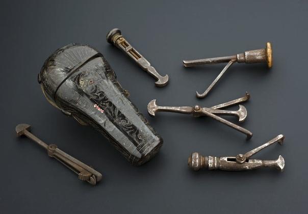 Стоматологический набор, Франция, 17001800 годы.( Музей науки, Лондон)