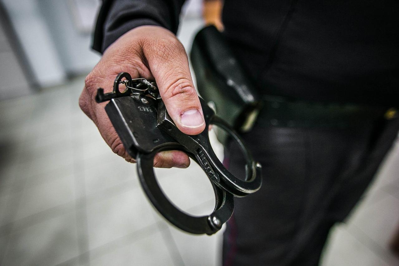 В Таганроге полицейские задержали 36-летнего мужчину, укравшего ноутбук