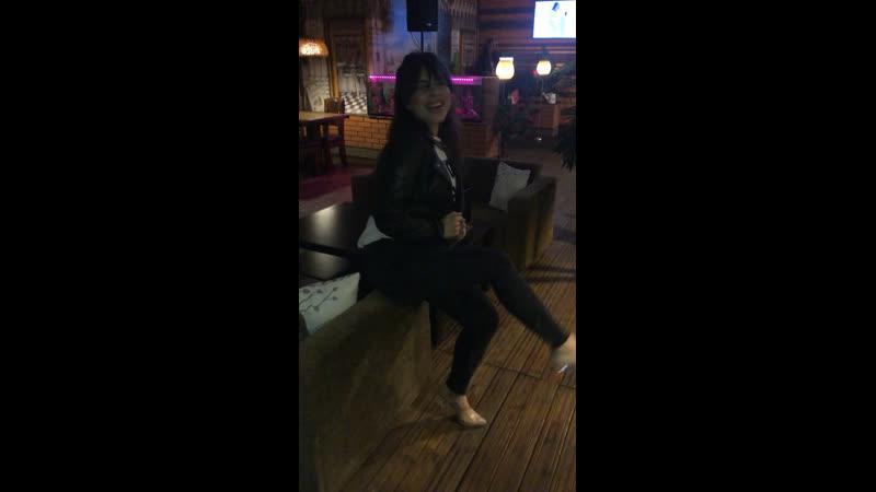 Пустите меня на танцпол 😂🙈