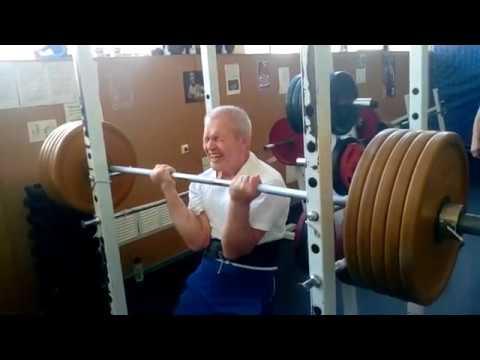 Обухов Николай 66-лет.вес 72- кг. удержание на руках 135, 150, 175.5