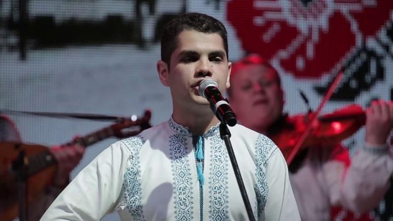 Valentin Golovatiuc Ansamblul Plăieșii - Azi iubesc ca niciodată