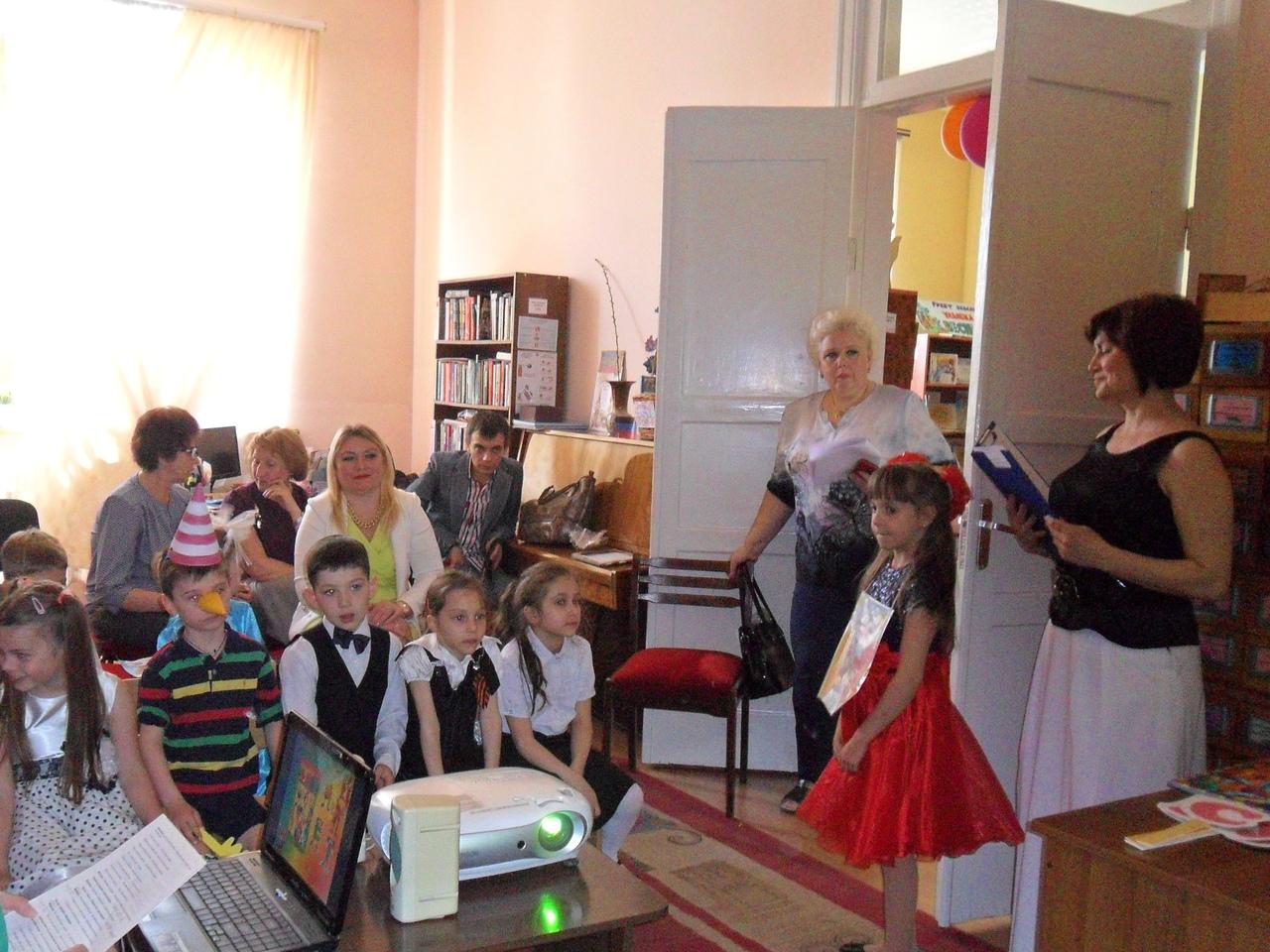 день славянской письменности, донецкая республиканская библиотека для детей, отдел искусств, кирил и мефодий, прощание с азбукой