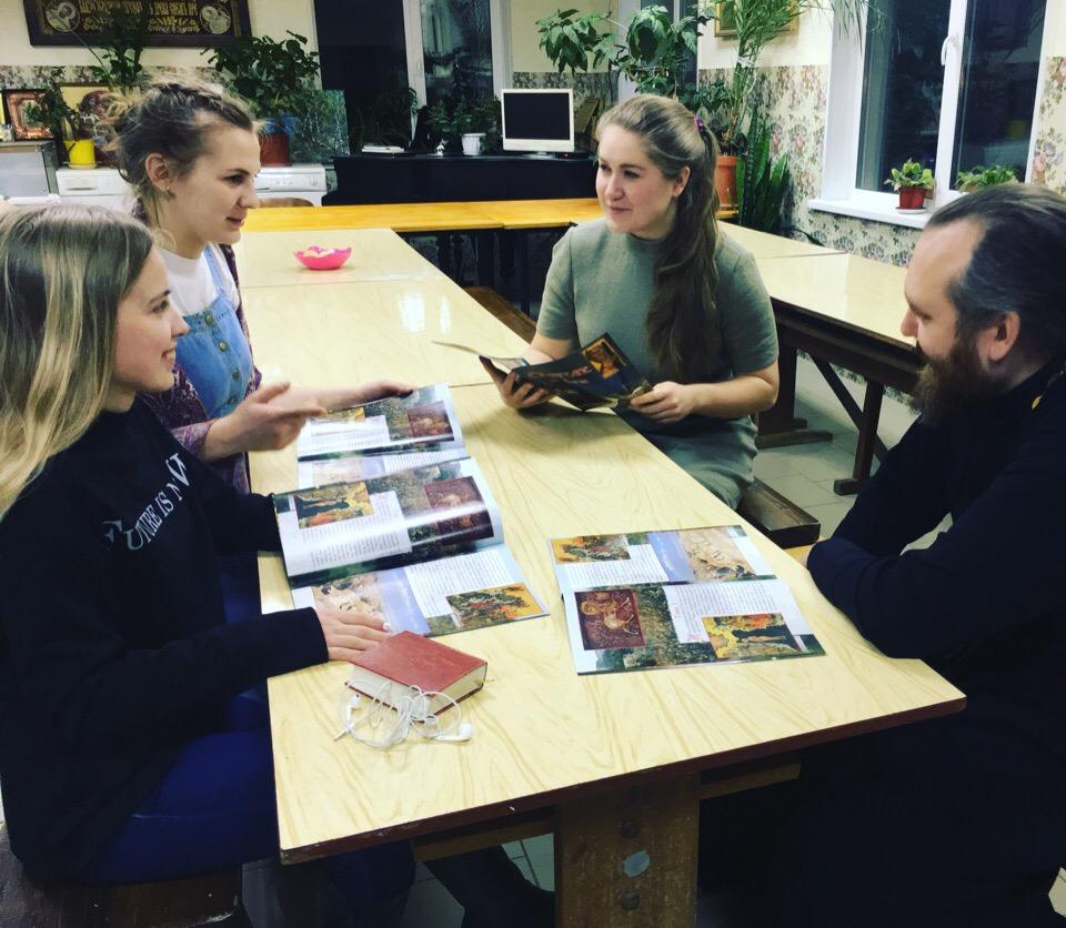 Молодёжный клуб 'Камень преткновения' при нашем храме возобновляет свою деятельность!