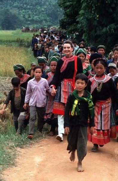 Одри Хепберн во Вьетнаме, 1990