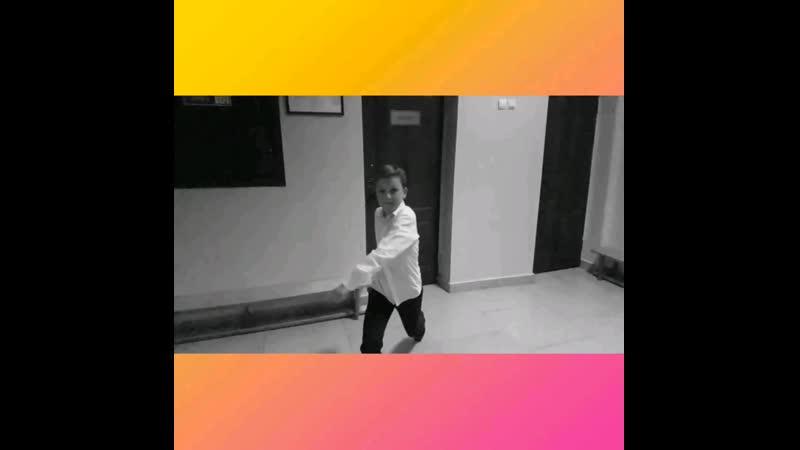 Video_2018_10_05_15_06_19.mp4