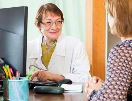 В большинстве случаев гинекологический онколог должен пройти обширную хирургическую подготовку.
