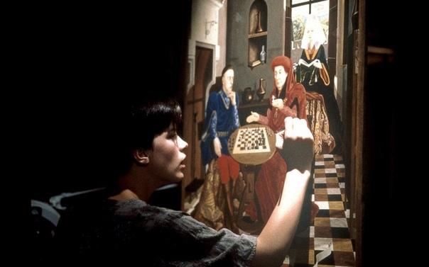 Фламандская доска 1994 Фильм поставлен по одноименному роману Артуро Переса-Реверте, принёсшему ему успех в 1990 году. Расследуя убийство, ключ к которому скрыт на фламандской картине XV века,