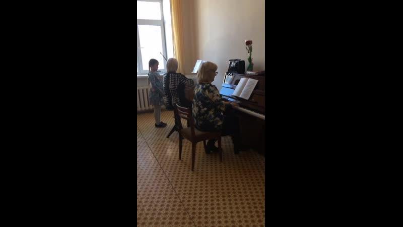 VIDEO-2019-04-02-21-59-52.mp4