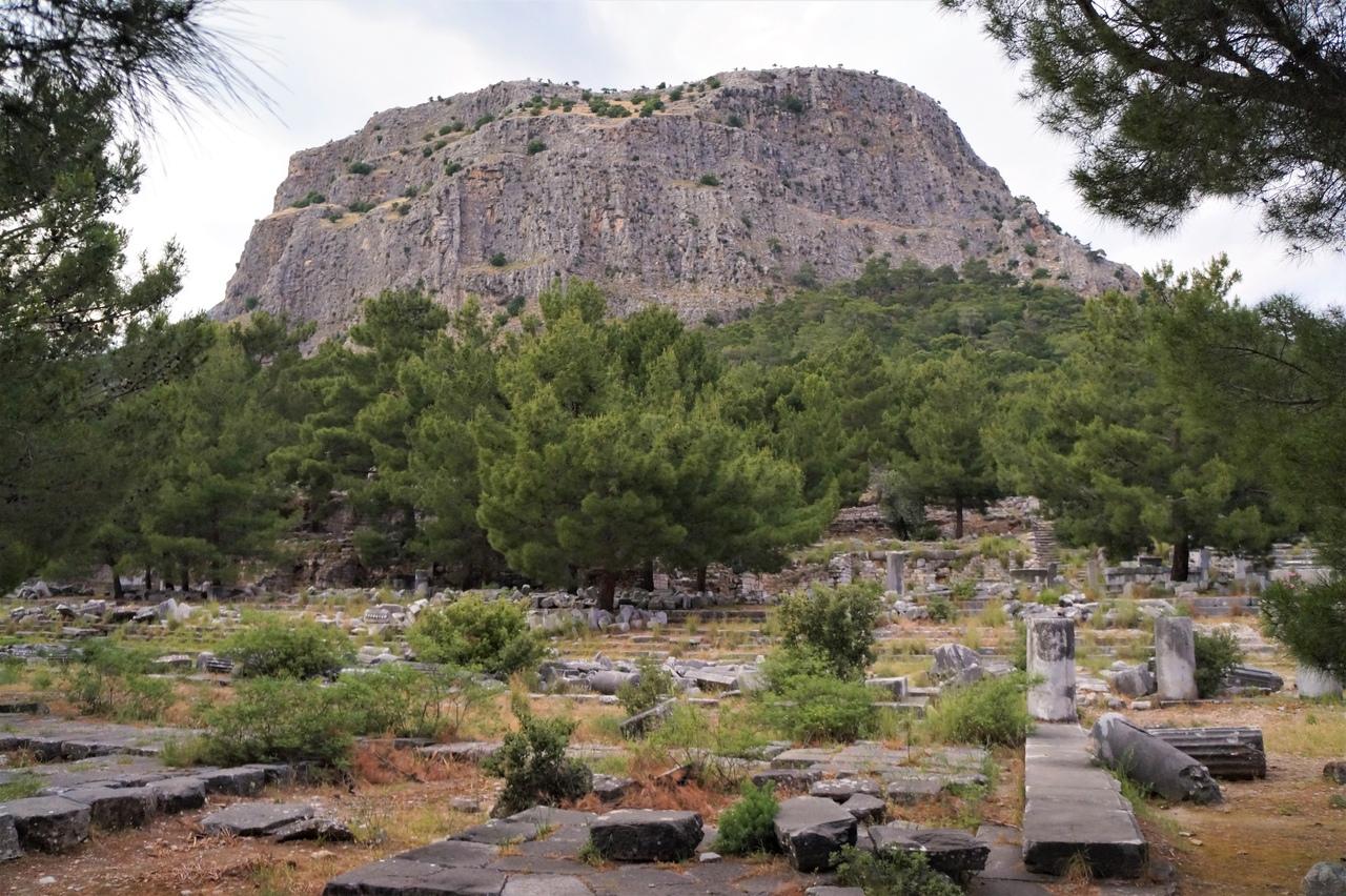 Приена - античный город, заброшенный в лесу