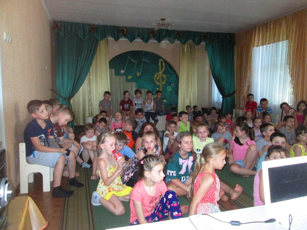 отдел обслуживания учащихся 5-9 классов, Донецкая республиканская библиотека для детей, лето в библиотеке, работа с пришкольными лагерями,экологическая беседа