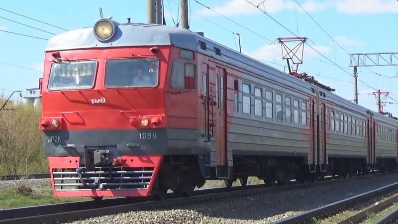 Электропоезд ЭР2К-1059 резервом, станция Дягилево