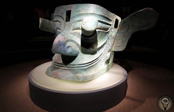 Неизвестное государство Саньсиндуй Саньсиндуй - древнее поселение, расположенное на берегу реки Янцзы в районе Чэнду (Китай). Относится к культуре позднего неолита и раннего бронзового века