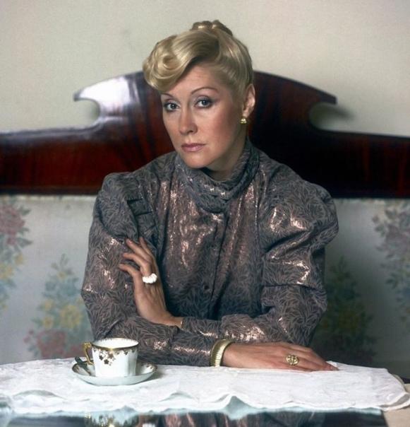 Ирина Мирошниченко, сегодня ее день рождения  В каких фильмах она вам запомнилась