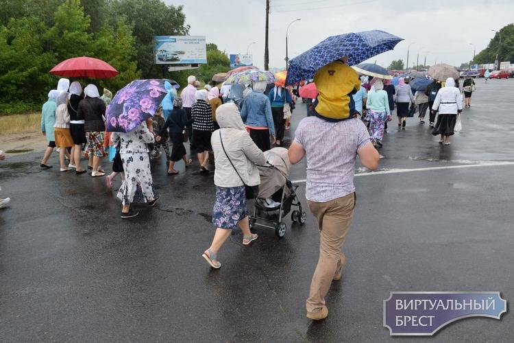 Состоялся крестный ход в честь 35-летия установления празднования Собора Белорусских святых